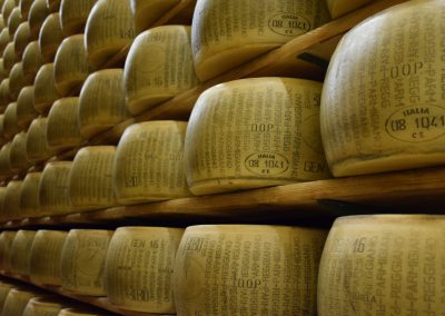 parmigiano-reggiano-cheese-italy-italian-162788